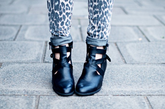 DIY-boots-ajourées